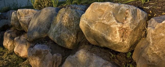 Boulder Retaining Wall Landscape Green Scene Minnesota