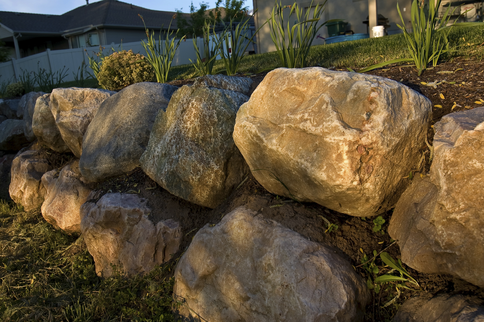 Landscaping Boulders Mn : Boulder walls in minnetonkagreen landscaping tree care